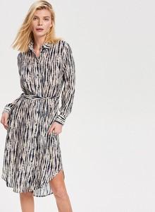 Sukienka Reserved szmizjerka w stylu casual z długim rękawem