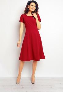 Czerwona sukienka Infinite You z okrągłym dekoltem midi