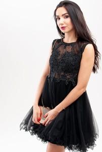 Sukienka Butik Ecru bez rękawów z okrągłym dekoltem mini