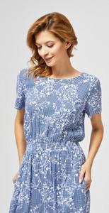 Niebieska sukienka Moodo mini z okrągłym dekoltem