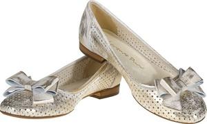 Złote baleriny Lafemmeshoes w stylu casual z płaską podeszwą