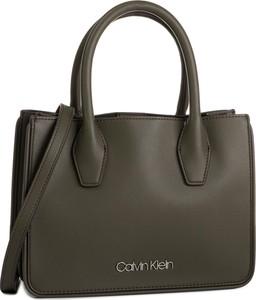 Zielona torebka Calvin Klein średnia
