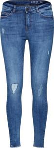 Niebieskie jeansy Noisy May w stylu boho z jeansu