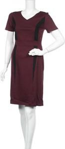 Czerwona sukienka Bodyright z krótkim rękawem