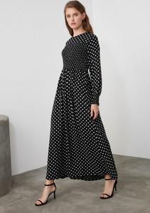 Sukienka Trendyol maxi z długim rękawem