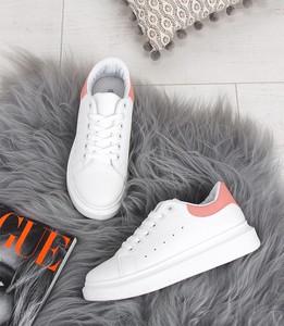 64c8ab737ef347 buty sportowe z literą n. - stylowo i modnie z Allani