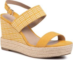 Żółte sandały eobuwie.pl z tkaniny z klamrami w stylu retro