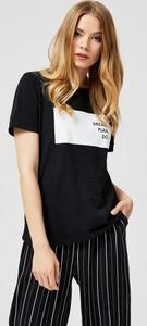 Czarny t-shirt Moodo w stylu casual z krótkim rękawem