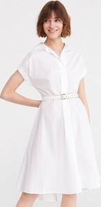 Sukienka Reserved z kołnierzykiem midi szmizjerka