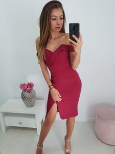 Różowa sukienka chloee.pl z krótkim rękawem dopasowana hiszpanka