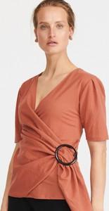 Czerwona bluzka Reserved z krótkim rękawem