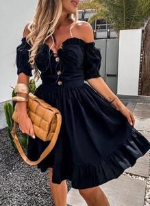 Sukienka Sandbella z odkrytymi ramionami