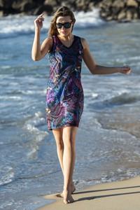 Niebieska sukienka Nessi Sportswear z nadrukiem mini prosta