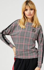 Bluza Moodo w młodzieżowym stylu