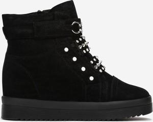 Czarne buty sportowe Multu na platformie sznurowane