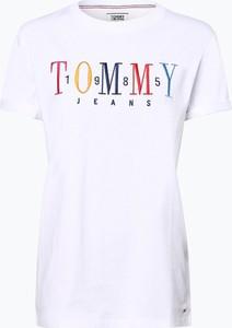 Czarny t-shirt Tommy Jeans w młodzieżowym stylu
