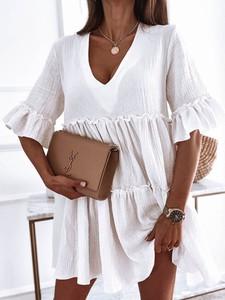 Sukienka Perfe.pl oversize z dekoltem w kształcie litery v