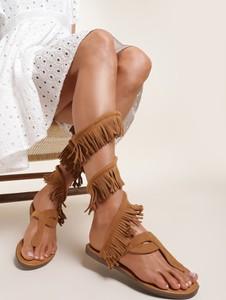 Sandały Renee z płaską podeszwą z klamrami w stylu casual