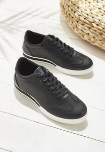 Czarne buty sportowe Multu sznurowane z płaską podeszwą