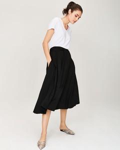 dfcfcbbd długa spódnica i trampki - stylowo i modnie z Allani