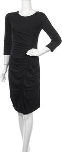 Czarna sukienka Promise mini z okrągłym dekoltem z długim rękawem