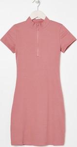 Różowa sukienka Sinsay mini z krótkim rękawem