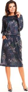 Granatowa sukienka Awama w stylu casual midi z okrągłym dekoltem