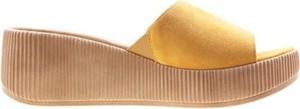 Żółte klapki Lasocki