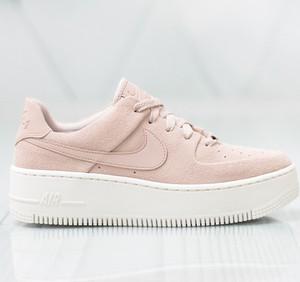 ed60ee32e174ea Różowe buty sportowe Nike w sportowym stylu sznurowane