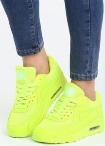 Zielone buty sportowe Multu w sportowym stylu z płaską podeszwą