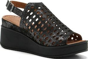 Czarne sandały Venezia w stylu casual