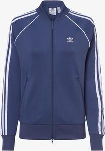 Niebieska bluza Adidas Originals w sportowym stylu