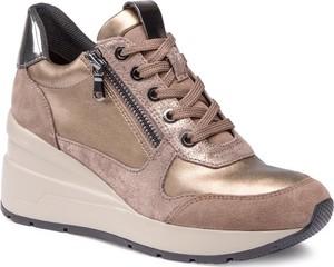 Złote buty sportowe Geox sznurowane na platformie