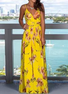 Żółta sukienka Arilook z dekoltem w kształcie litery v maxi