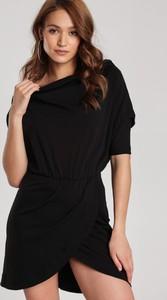 Czarna sukienka Renee w stylu casual mini