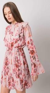 Różowa sukienka Sheandher.pl z długim rękawem w stylu casual z kołnierzykiem