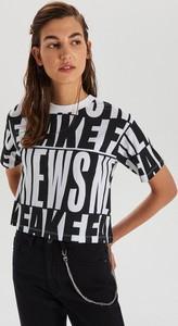 T-shirt Cropp z krótkim rękawem z okrągłym dekoltem w stylu casual