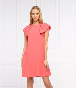 Różowa sukienka Red Valentino z krótkim rękawem