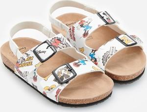 Buty dziecięce letnie Reserved z klamrami