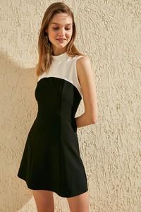 Czarna sukienka Trendyol mini bez rękawów