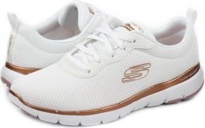 Buty sportowe Skechers z płaską podeszwą sznurowane