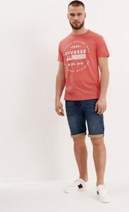 T-shirt Diverse w młodzieżowym stylu z krótkim rękawem z bawełny