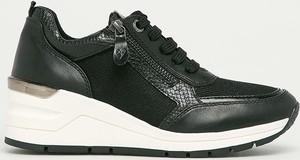 Buty sportowe Marco Tozzi na platformie w sportowym stylu sznurowane