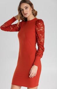 Sukienka Renee z okrągłym dekoltem dopasowana mini