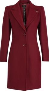 Czerwony płaszcz Liu-Jo