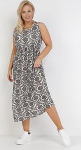 Sukienka born2be z okrągłym dekoltem trapezowa w stylu casual
