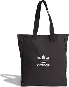 Czarna torebka Adidas w sportowym stylu z bawełny