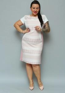 Sukienka KARKO z okrągłym dekoltem z krótkim rękawem z tkaniny