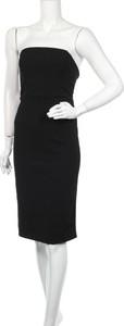 Czarna sukienka Dynamite z okrągłym dekoltem bez rękawów midi