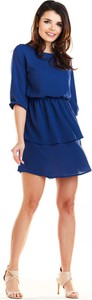 Niebieska sukienka Awama trapezowa